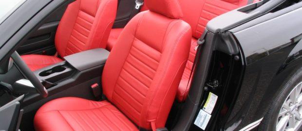 Elérhető áron igényelhet profi autókárpitozást.