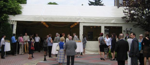 Remek áron vásárolhat minőségi rendezvény sátrat.